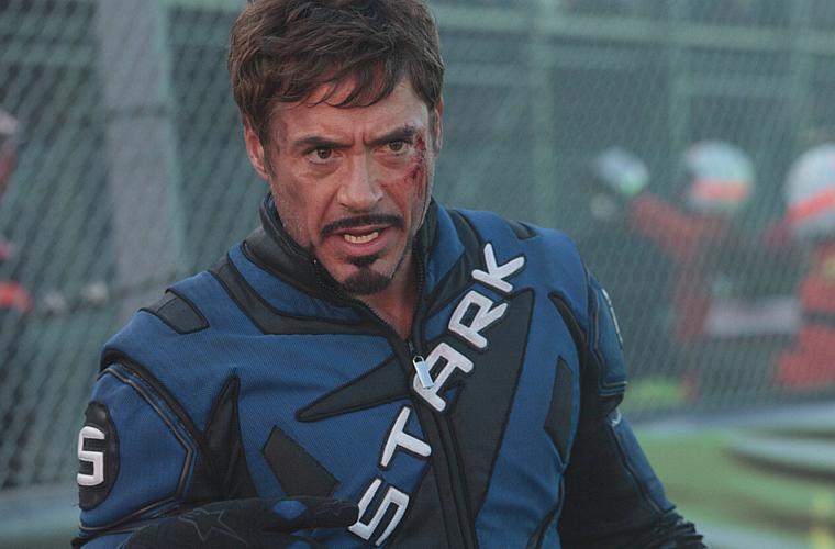 Em <em>Homem de Ferro 2</em>, dirigido por Jon Favreau.