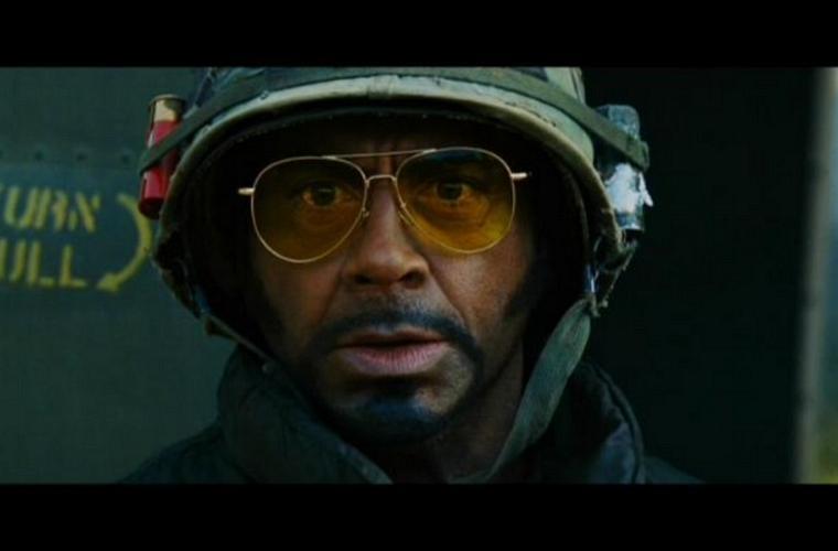 Em <em>Trovão Tropical</em> (2008), Downey Jr. interpreta um soldado negro.