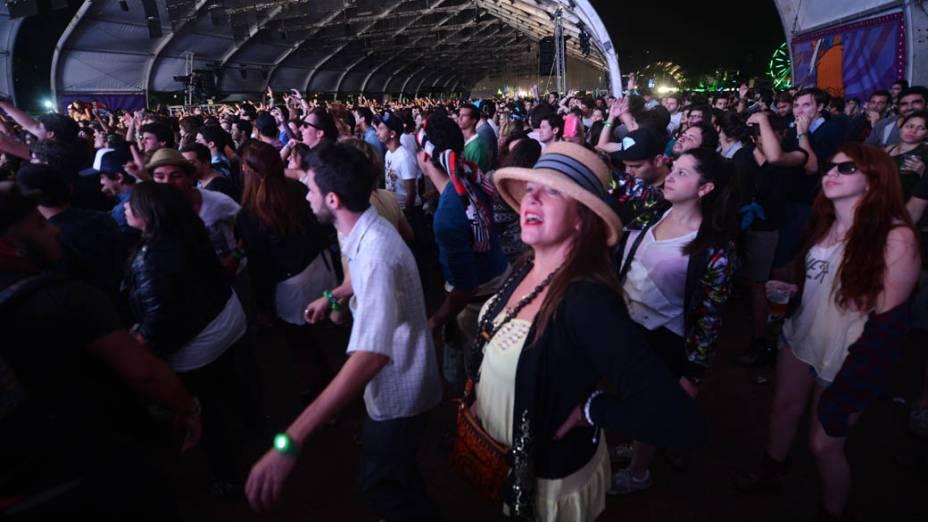 Público durante apresentação do Steve Aoki no segundo dia do Lollapalooza