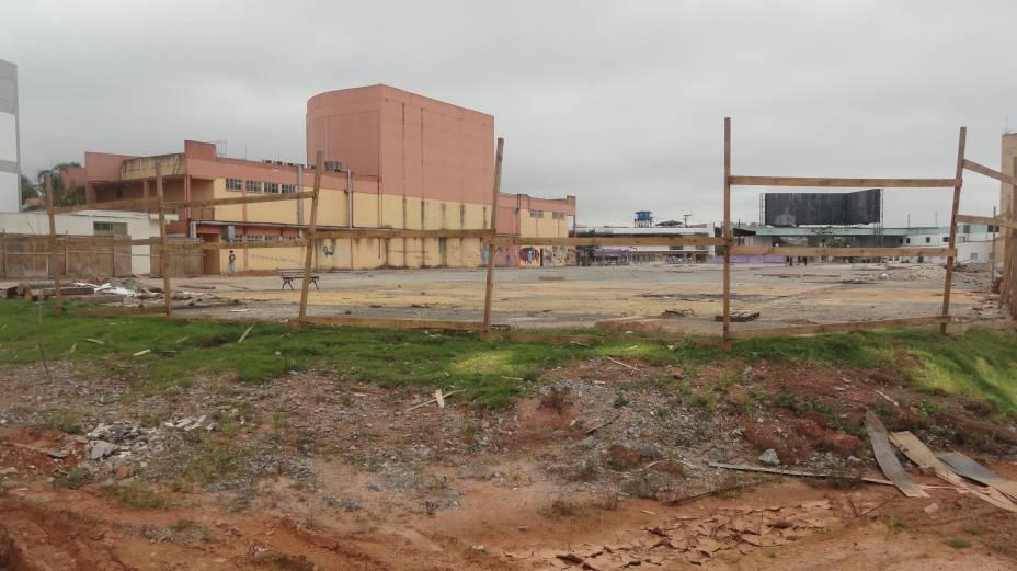 Local onde ficará o prédio principal do campus de Guarulhos da Universidade Federal de São Paulo (Unifesp). Obra que deveria ter sido entregue em 2010 está prevista apenas para 2015.