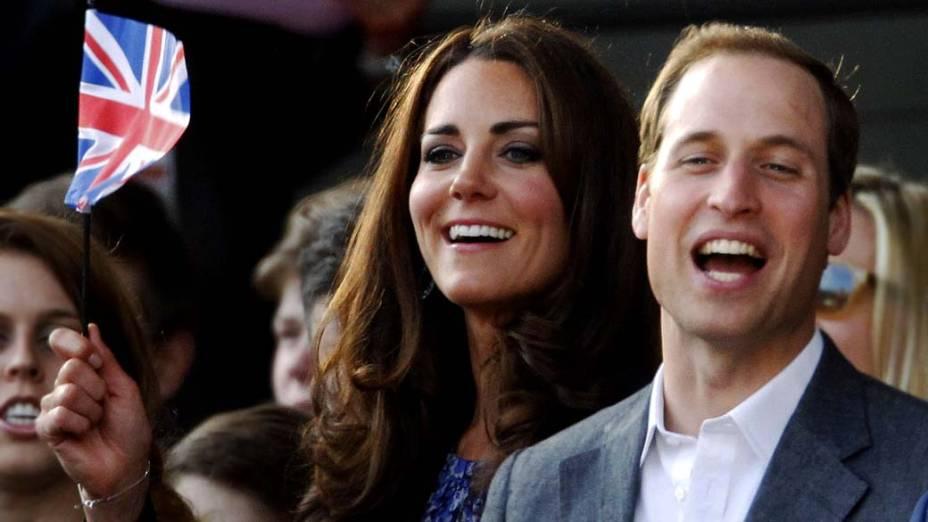A duquesa de Cambridge, Kate Middleton, e o príncipe William durante show em comemoração ao jubileu de diamante da rainha em Londres