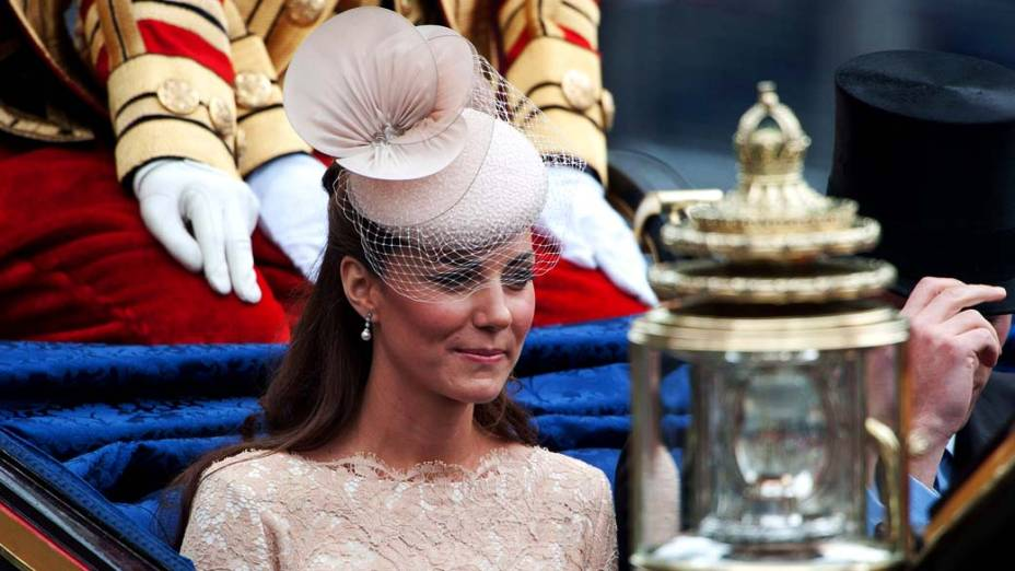 A duquesa de Cambridge, Kate Middleton, no palácio de Westminster durante comemorações do jubileu de diamante da rainha em Londres