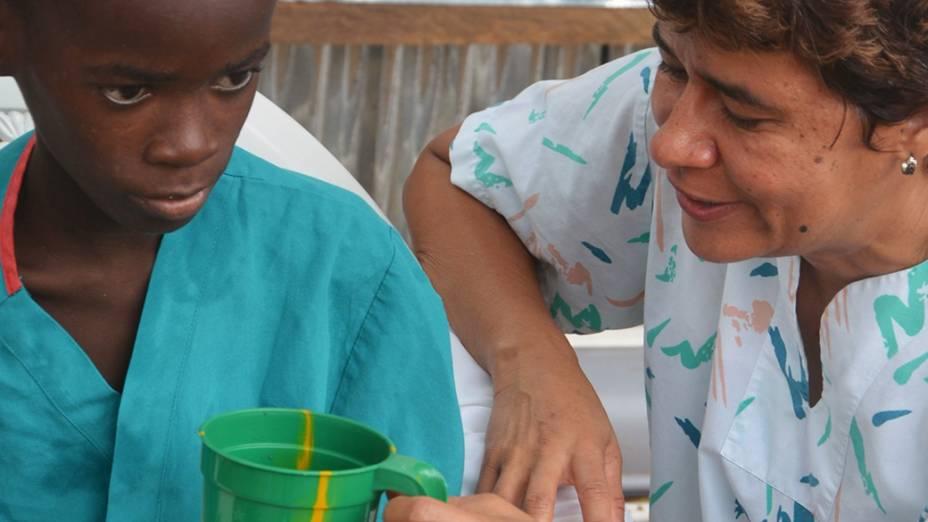Na Libéria, garoto de 10 anos fica de quarentena após sua mãe morrer de ebola