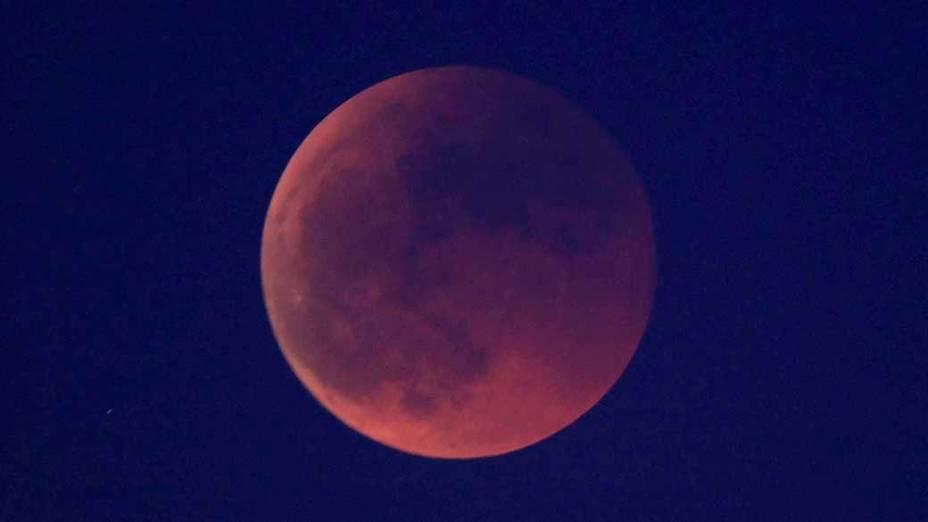 <p>Eclipse da lua visto de Madri, Espanha</p>