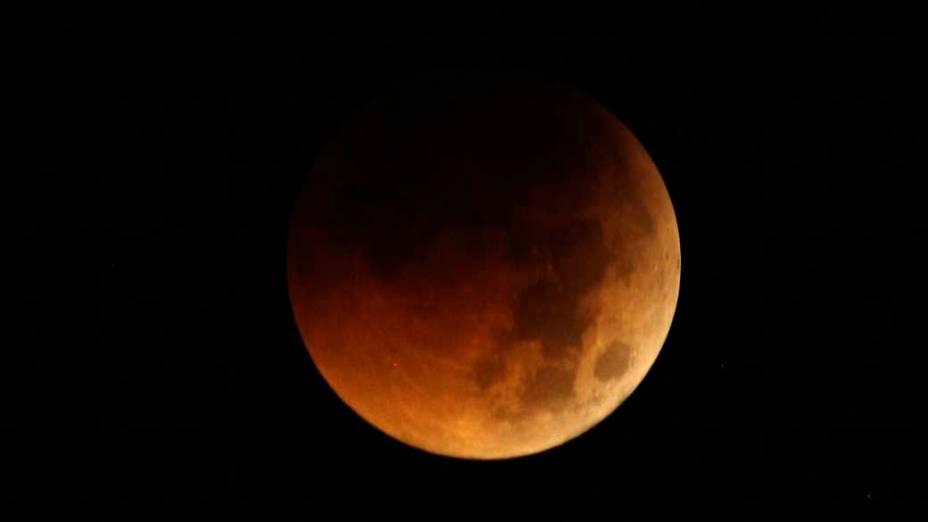 <p>Eclipse da lua visto em Manila, Filipinas</p>