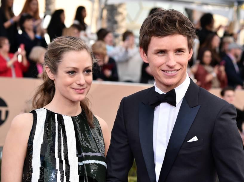 Eddie Redmayne e a esposa Hannah Bagshawe no Prêmio do Sindicato dos Atores, em Los Angeles, 2016