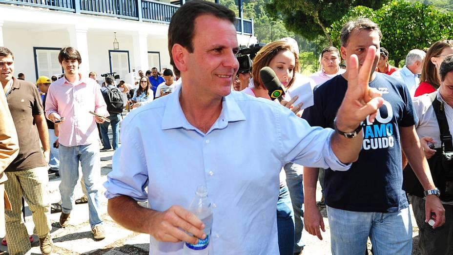 Eduardo Paes, prefeito do Rio e candidato vota na manhã deste domingo