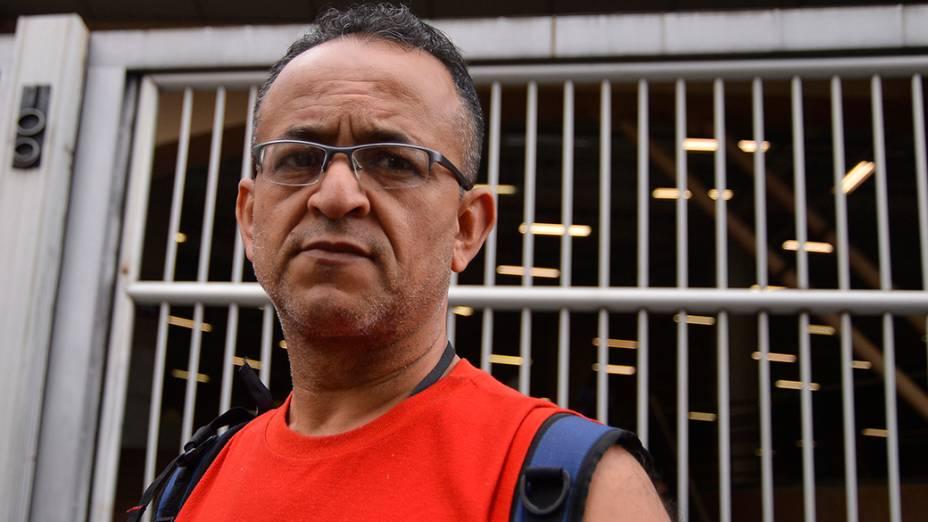"""""""Acho que tem outros temas que poderiam ser mais interessantes para a redação do Enem"""", diz Ademar Barreto, de 52 anos, que realizou o exame em São Paulo"""