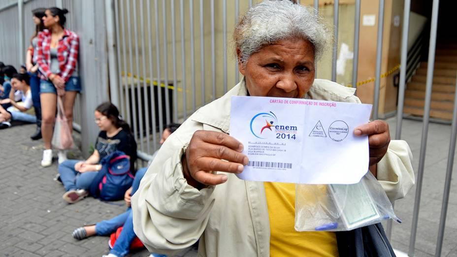 A candidata Edewirge Gomes da Silva, 60, faz o Enem pela 9ª vez