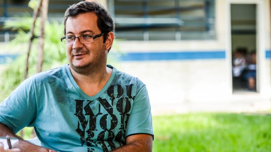"""Luciano Garcia, de 33 anos, professor de matemática de duas escolas da rede municipal de Novo Horizonte (SP): """"Somos incentivados a estudar e nos qualificar"""""""