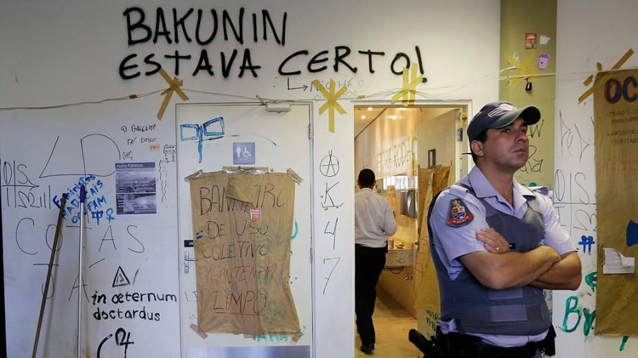 Reintegração de posse no prédio da USP ocorreu de forma pacífica