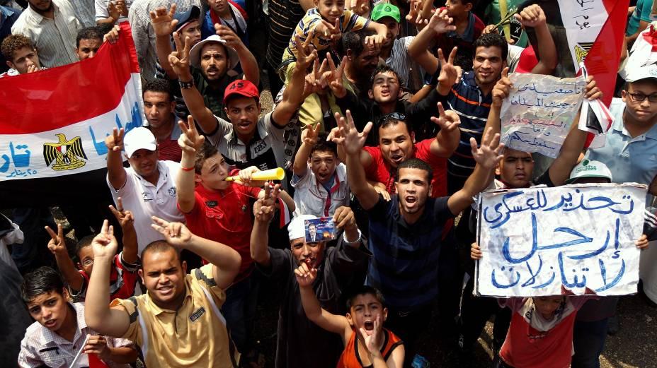 Seguidores de Mohamed Mursi comemoram sua vitória no Egito