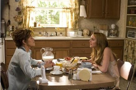 Lindsay Lohan e Jane Fonda em cena de <em>Ela É a Poderosa</em>, de 2007