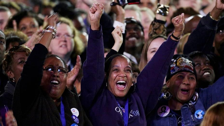 Eleitores comemoram reeleição de Obama em Chicago