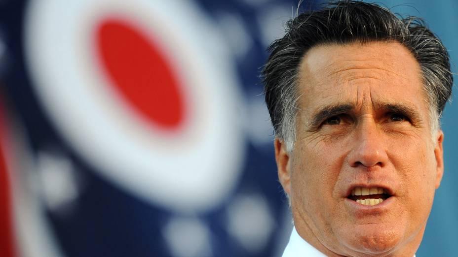 Mitt Romney durante comício em Worthington, Ohio