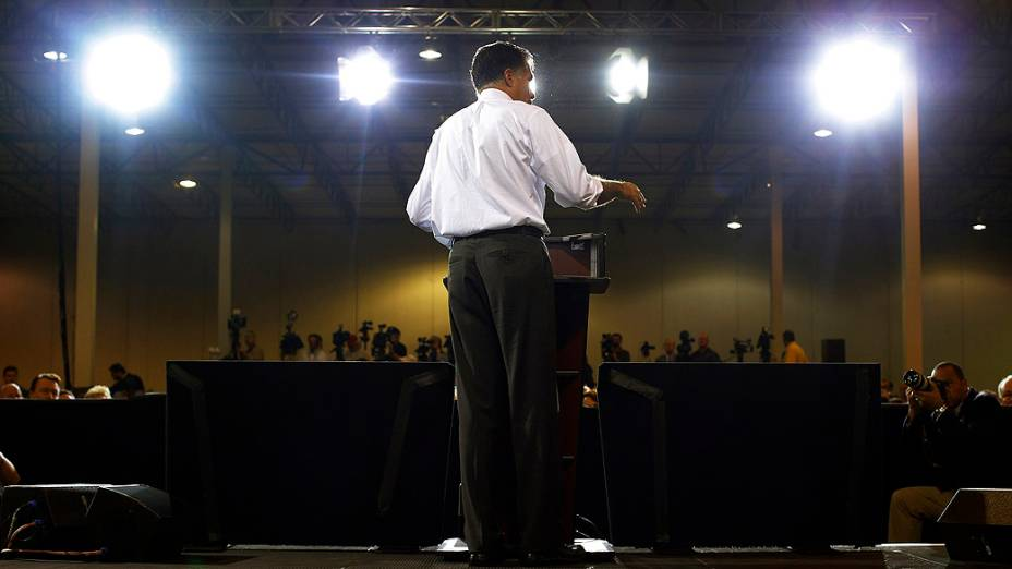 O candidato Mitt Romney durante comício em Cincinnati, Ohio