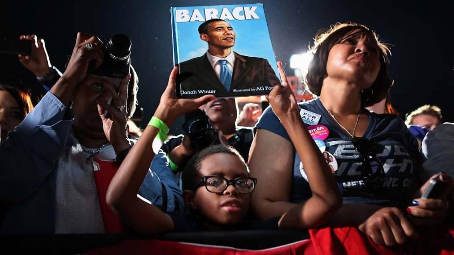 Eleitores de Barack Obama durante comício em Cleveland, Ohio