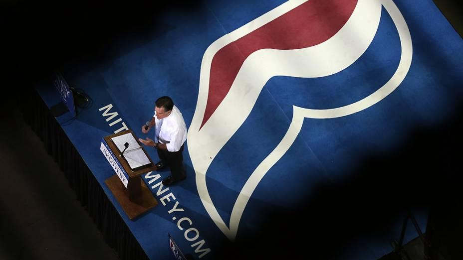 O candidato Mitt Romney durante campanha em Pensacola, na Flórida