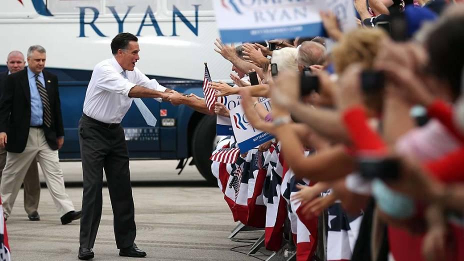 Mitt Romney durante campanha em Kissimmee, Flórida