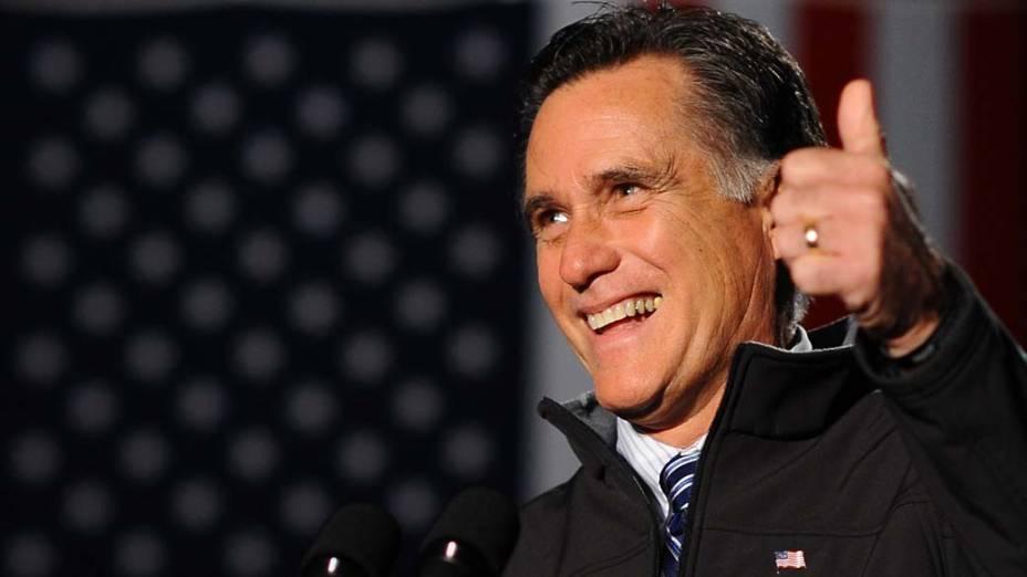 Mitt Romney durante campanha em Englewood, Colorado