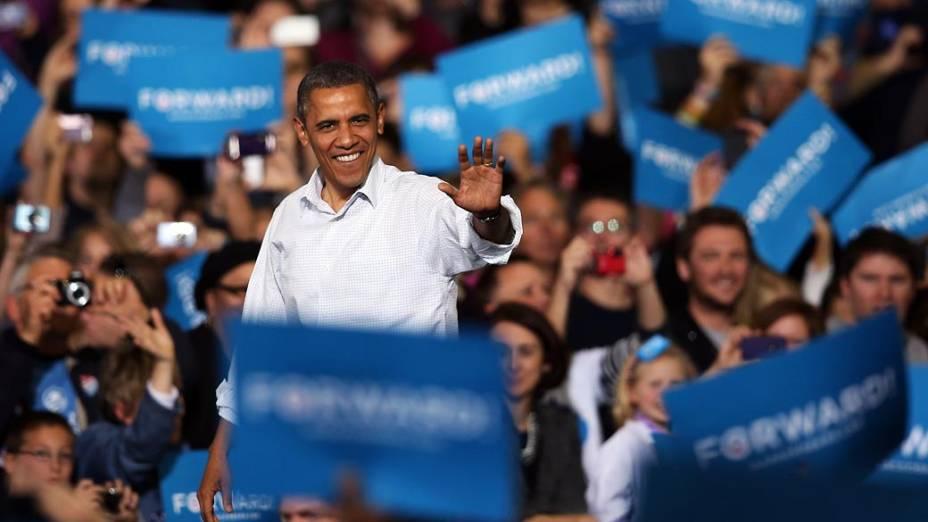 O candidato Barack Obama durante comício em Milwaukee, Wisconsin