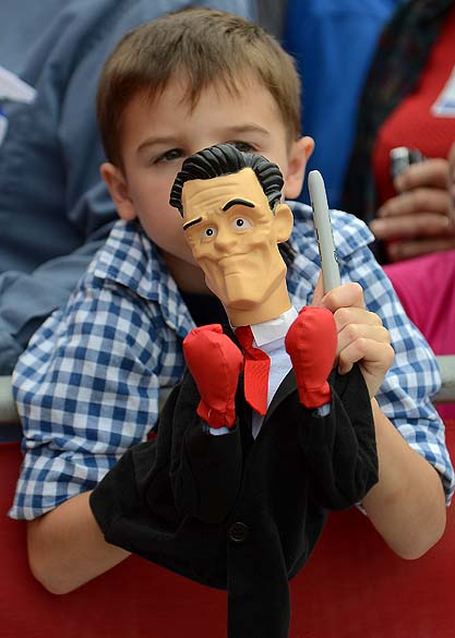 Garoto durante campanha de Mitt Romney na Flórida