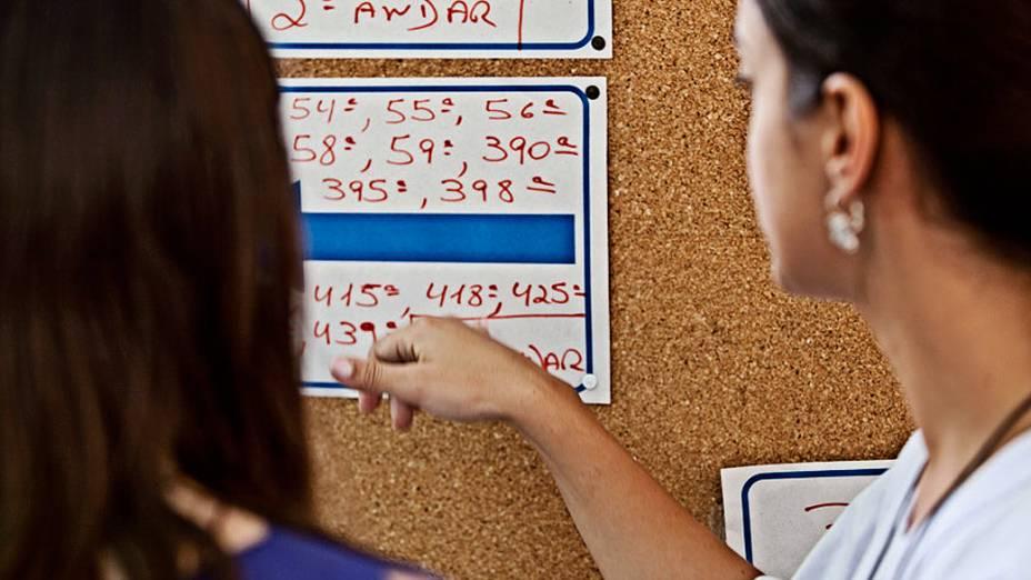Eleitores começam a chegar no maior colégio eleitoral de SP