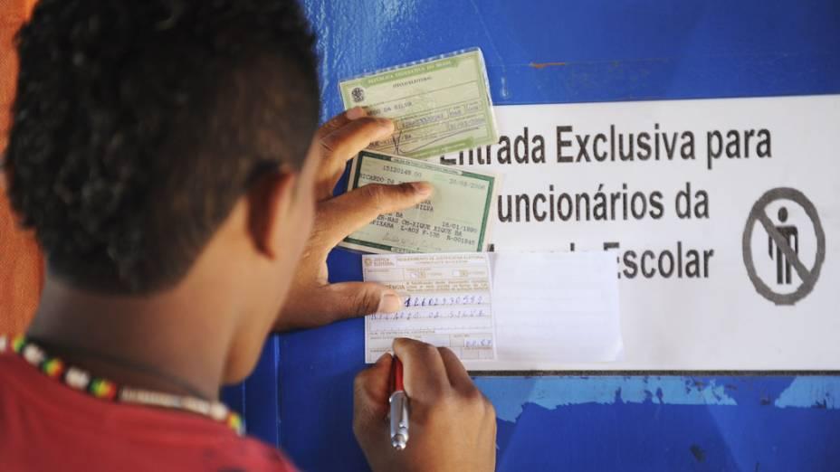 Nos arredores de Brasília, no município de Águas Lindas, eleitor justifica seu voto