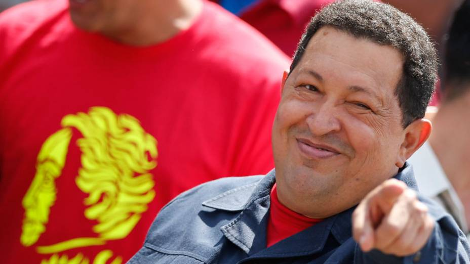 Hugo Chávez chega para votar em Caracas, na Venezuela