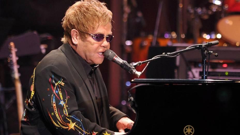 Elton John se apresenta no Hollywood Palladium, Califórnia (03/11/2010)