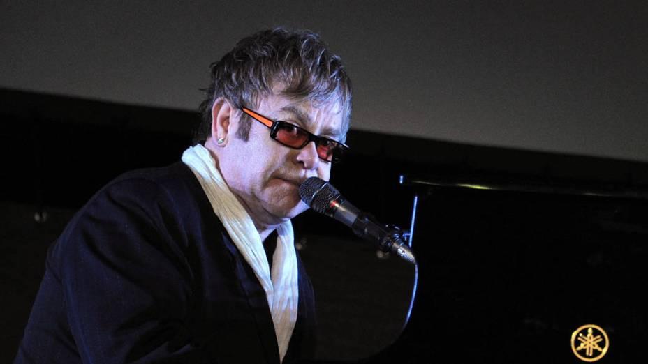 Elton John se apresenta em Nova York, 2011