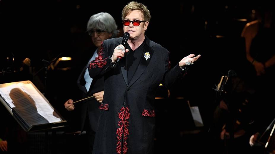 Elton John no Carnegie Hall, em Nova York (03/04/2012)