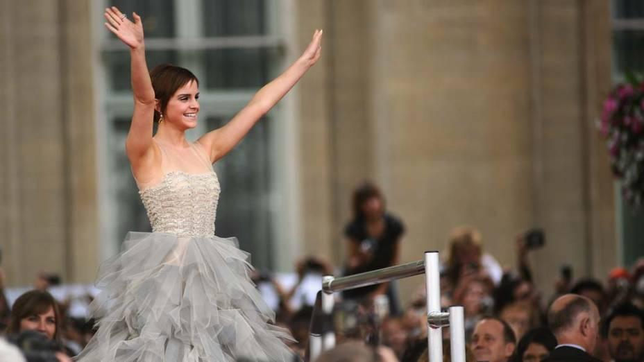 Emma Watson no tapete vermelho para a estreia de <em>Harry Potter e as Relíquias da Morte – Parte 2,</em> em Londres