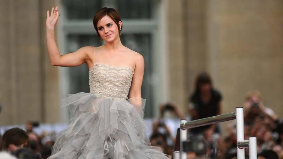 Emma Watson no tapete vermelho para a estreia de Harry Potter e as Relíquias da Morte – Parte 2, em Londres