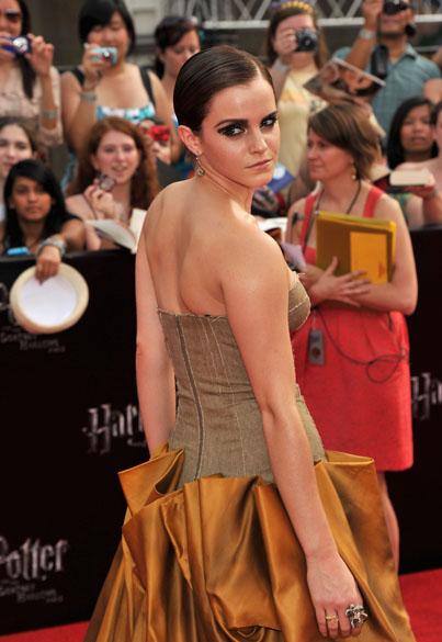 Emma Watson no tapete vermelho para a pré-estreia de <em>Harry Potter e as Relíquias da Morte – Parte 2</em>, em Nova York