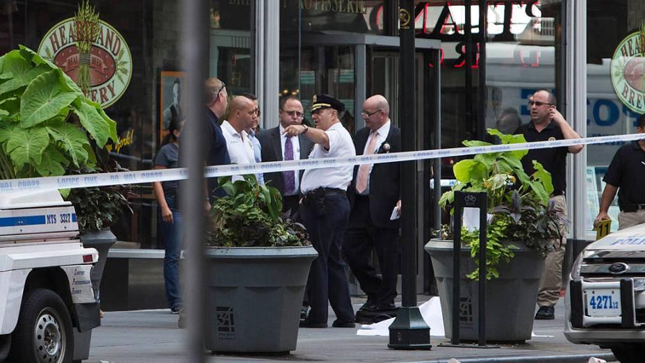 Atirador matou ex-colega de trabalho e foi morto em calçada em Manhattan