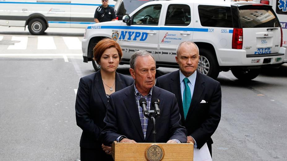 O prefeito de Nova York, Michael Bloomberg, afirmou que nove pessoas ficaram feridas no tiroteio