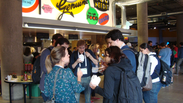 Empreendedores brasileiros participam de happy hour na sede da Zynga, em São Francisco