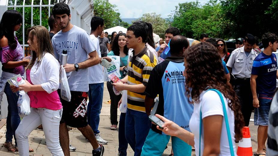 Estudantes antes do início da prova do Exame Nacional do Ensino Médio (ENEM), em Brasília