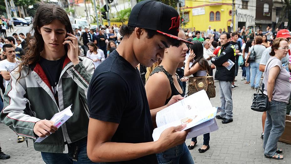 Estudantes concentrados, antes do início da prova do Exame Nacional do Ensino Médio (ENEM) na Uninove, em São Paulo
