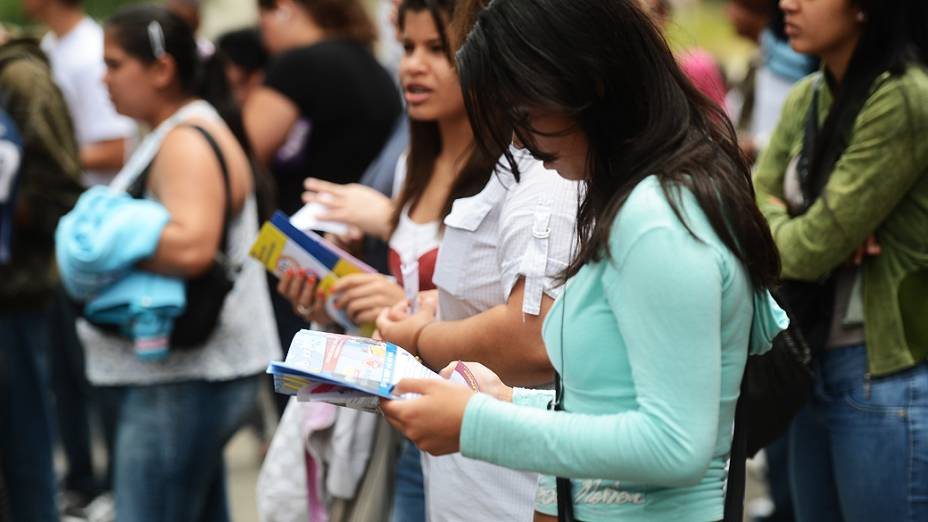 Estudantes antes do início da prova do Exame Nacional do Ensino Médio (ENEM) na Uninove, em São Paulo