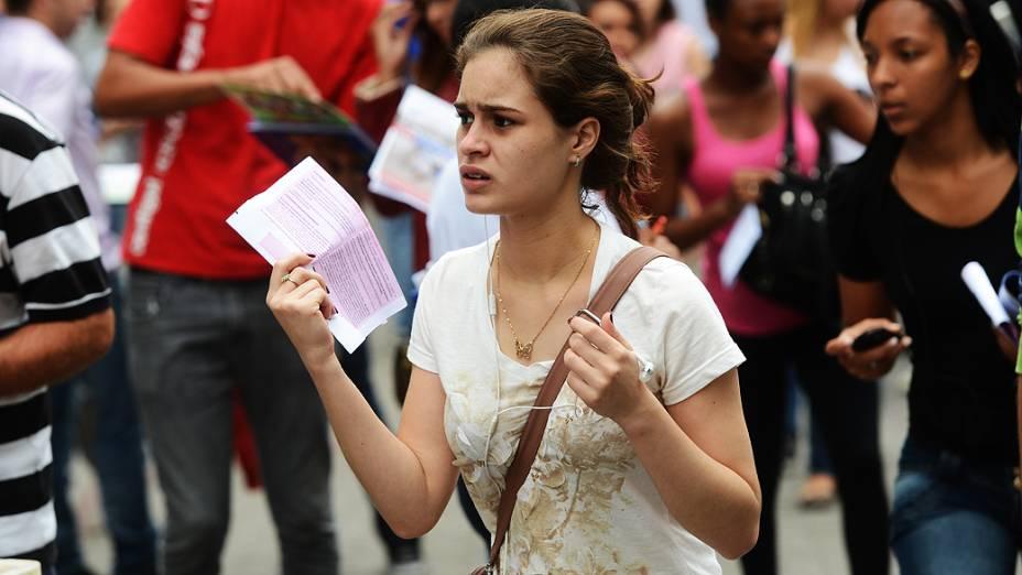 Estudante antes do início da prova do Exame Nacional do Ensino Médio (ENEM) na Uninove, em São Paulo
