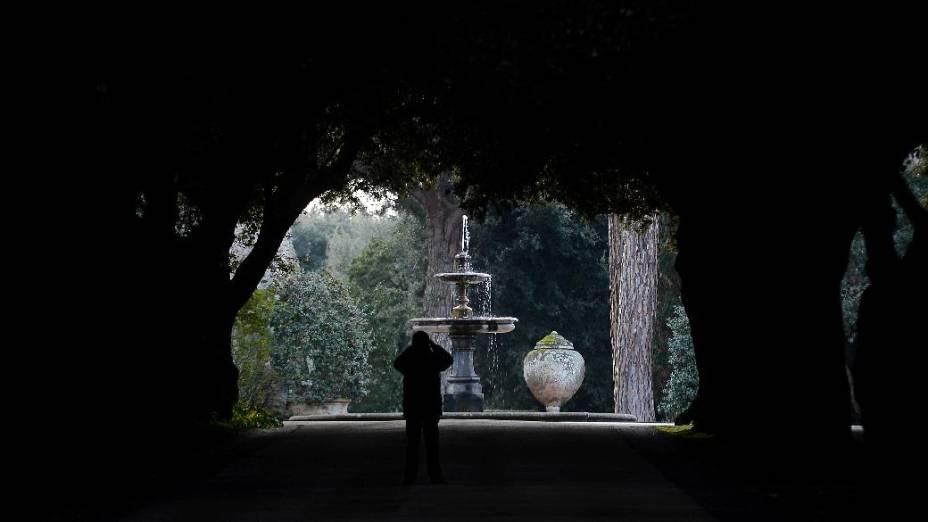Entrada de Castel Gandolfo, onde Bento XVI permanecerá por dois meses após a renúncia
