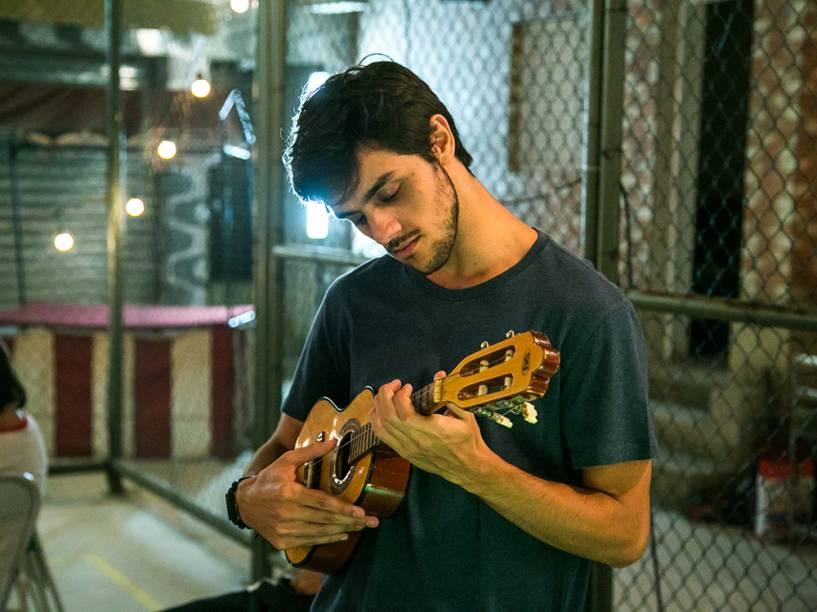 Jonatas (Felipe Simas), em cena da novela Totalmente Demais