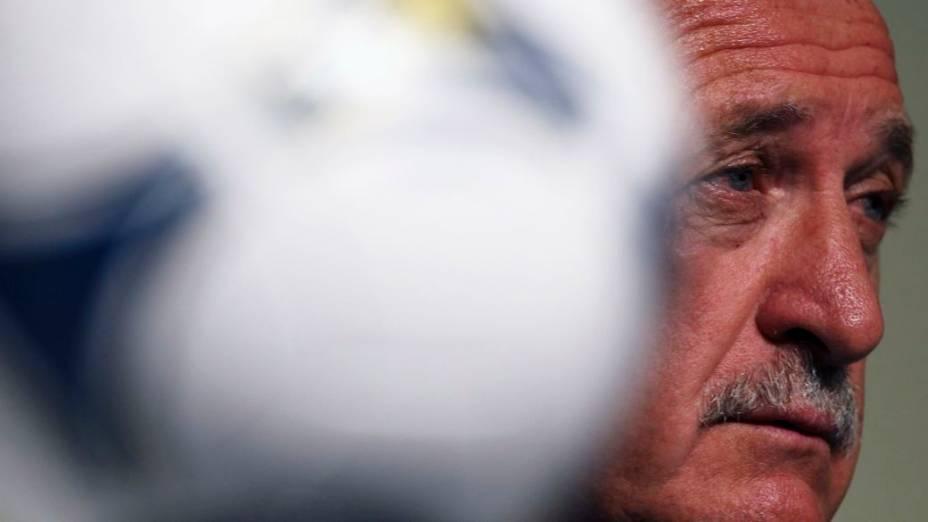 O técnico Luiz Felipe Scolari na entrevista coletiva da véspera do sorteio da Copa das Confederações, em São Paulo