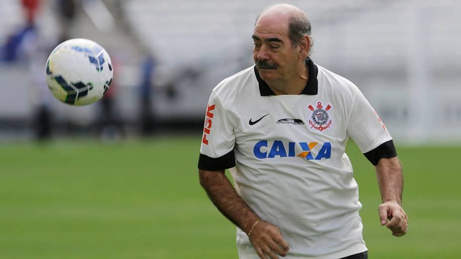 Rivelino marcou um gol no evento teste do Itaquerão, meses antes da abertura da Copa do Mundo no estádio