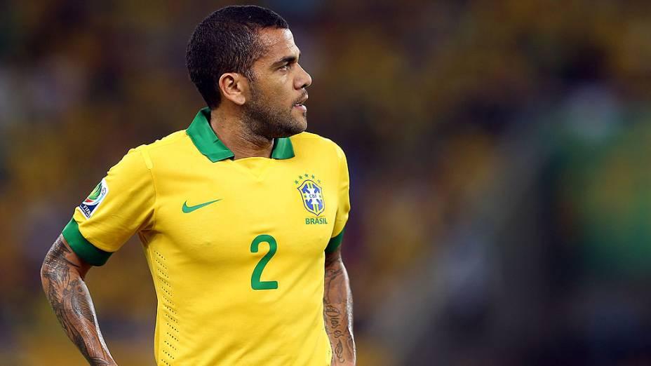 Daniel Alves no estádio Maracanã durante final da Copa das Confederações entre Brasil e Espanha, no Rio de Janeiro