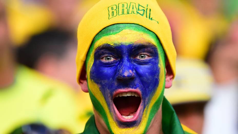 Torcedore do Brasil durante o jogo contra a Colômbia no Castelão, em Fortaleza