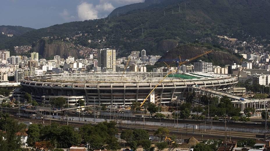 Início da instalação da cobertura do Maracanã