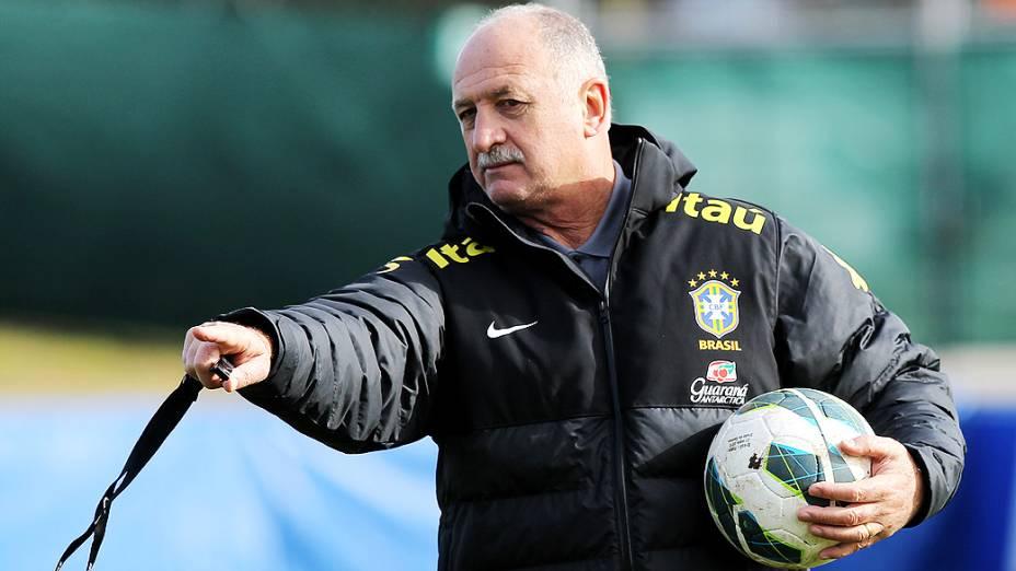 Luiz Felipe Scolari comanda primeiro treino da seleção brasileira nesta terça feira (19) em Genebra, Suíca antes do amistoso contra a Itália